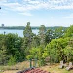 Unser Haus ist umgeben von einem 2000 qm Garten in Wald Stil umgeben